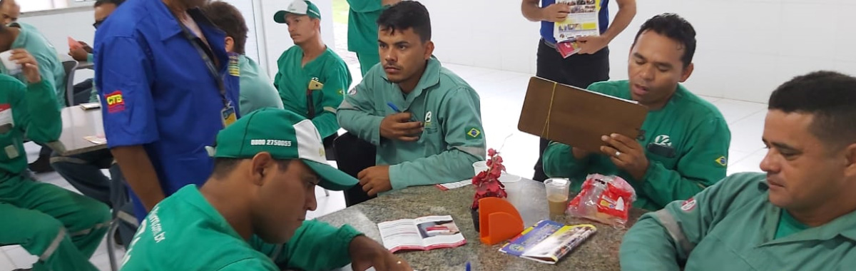 Sindicato realiza reunião informativa na Braslimp