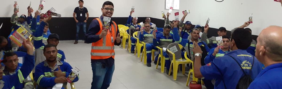 Trabalhadores das empresas: Martins e Tranlog recebe visita do SINDICAM