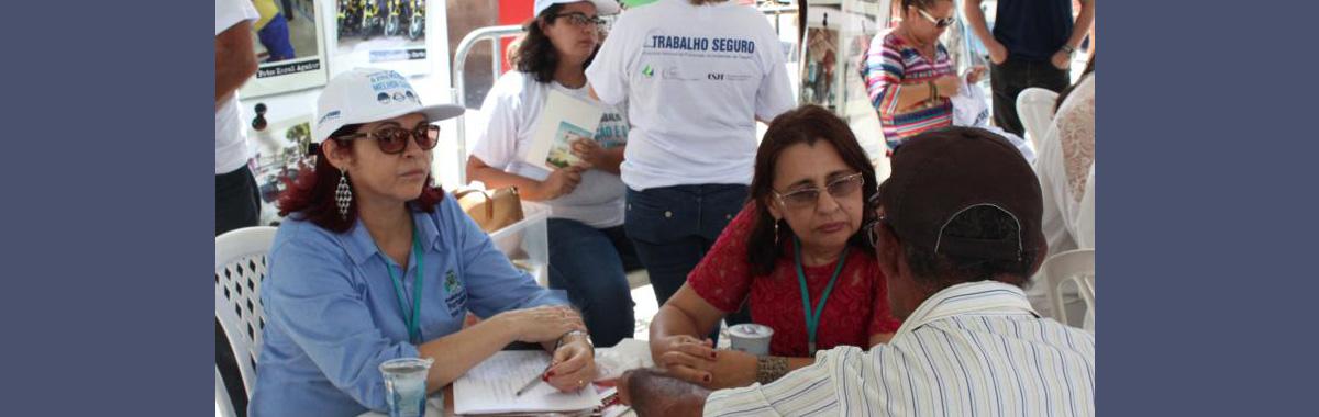 Atividade na Pra�a do Ferreira lembra v�timas de acidentes de trabalho